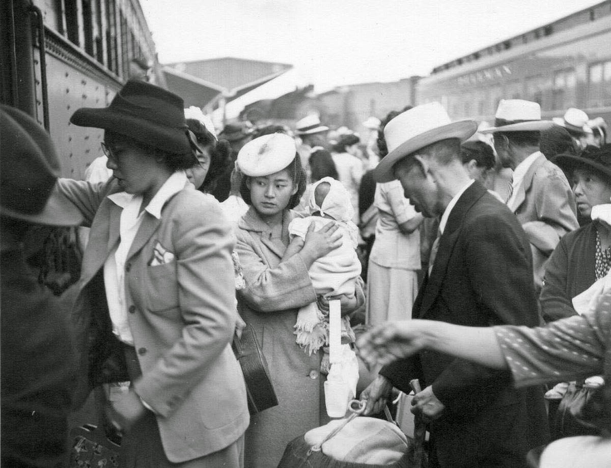 Pictures Of The Internment Of Japanese Americans During