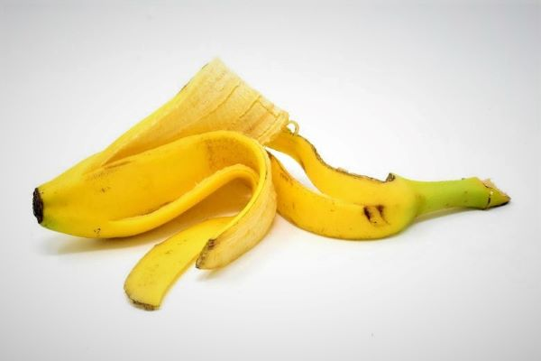 How to make you why you should rub banana peel