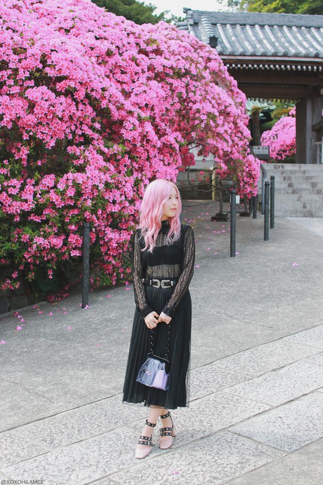 Japanese Fashion Blogger,MizuhoK,20180430OOTD,Rakuten=black lace top,2nd hand=black pleated skirt,ZARA= black belt pink heels,Casselini=purple clear bag,YOINS=double buckle belt with Azalea of Kamakura