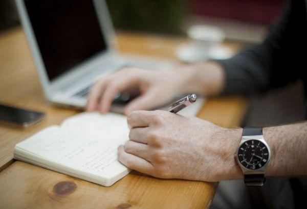 Travailler sur internet : les jobs sérieux qui payent bien