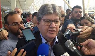 João rebate Gervásio e diz que deputado precisa trabalhar mais pela Paraíba