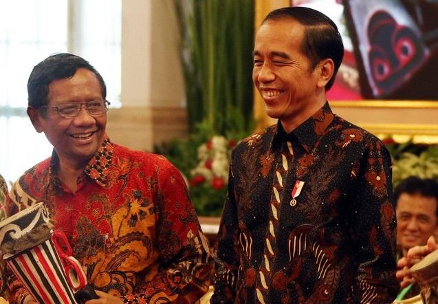 """Pernyataan Mahfud MD Boleh Langgar Konstitusi Demi Rakyat Disebut """"Sinyal"""" 3 Periode"""