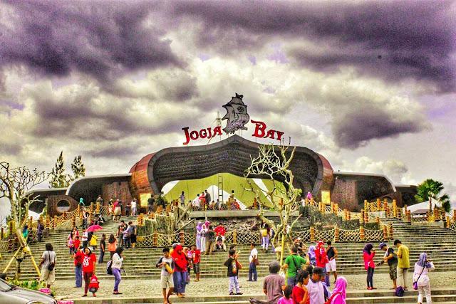 Tempat Wisata Menarik di Jogja Bay Waterpark