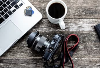 Wedding Photographer / editor The monthly salary of $ 1500 in Sharjah, Emirates