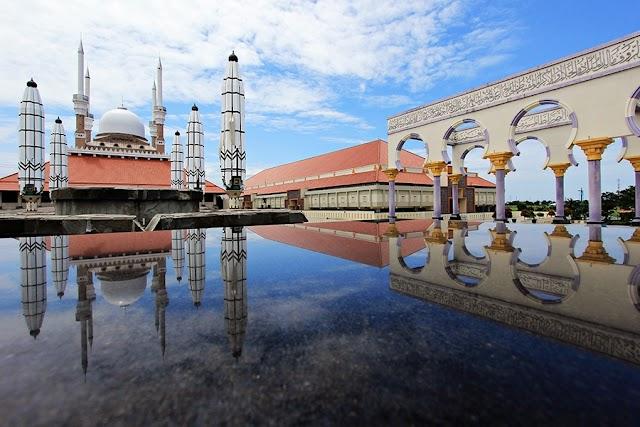7 masjid unik di Indonesia!, Tiket.com Sajikan Wisata religi dan Kampanyekan THR