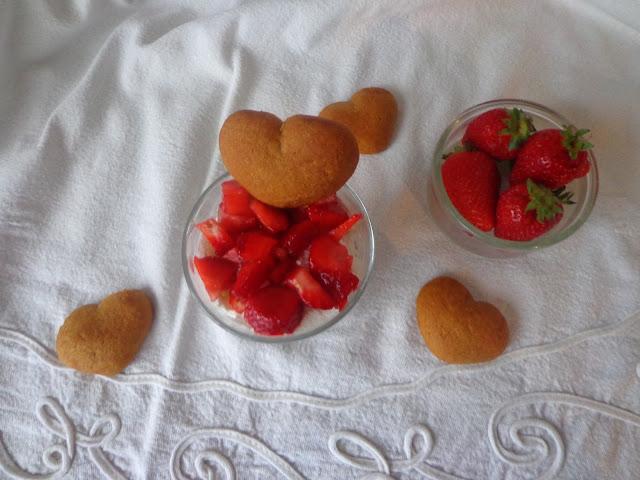 Крем с ягоди и кокос