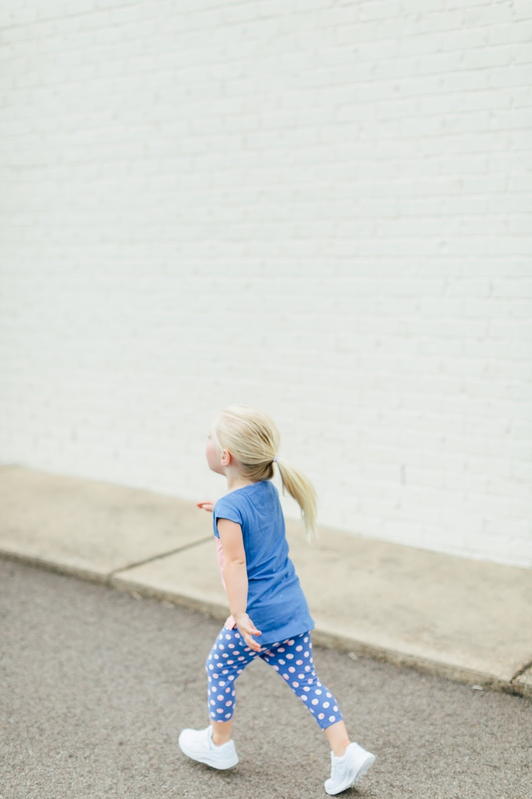 The Perfect Everyday Clothes for Back to School by fashion blogger Walking in Memphis in High Heels
