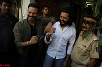 Vivek Oberoi and Riteish Deshmukh Promoting Their movie Bank Chor~  Exclusive 26.JPG