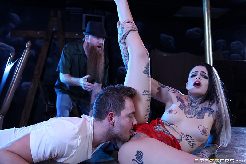 UNCENSORED [brazzers]2017-04-19 My Wife's A Stripper!, AV uncensored