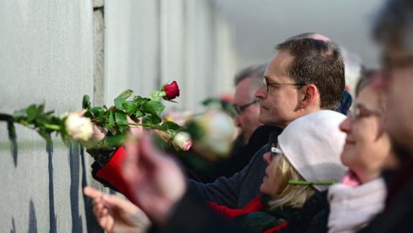 Alemania conmemora los 27 años de la caída del muro de Berlin