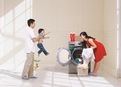 Cách dùng nước xả đúng cách để bảo vệ máy giặt electrolux