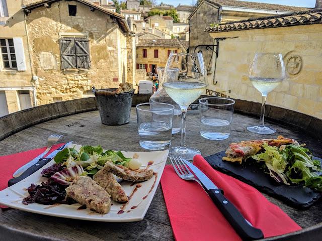Bordeaux to St. Emilion by train: lunch at L'Antre Deux Verres