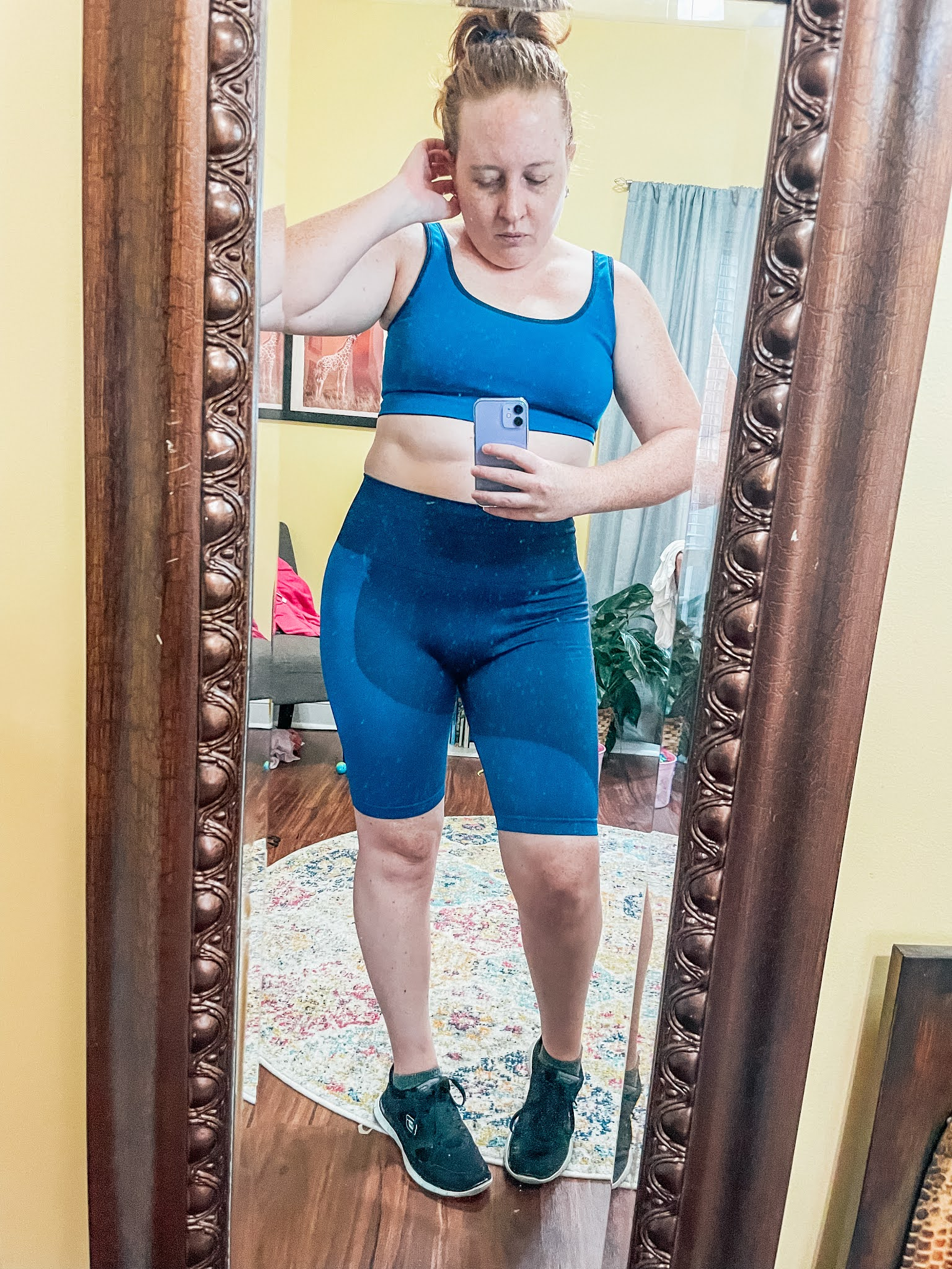 blue-yoga-outfit