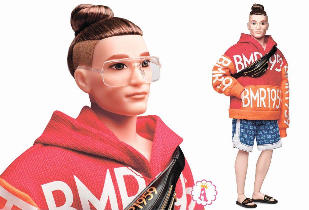 Кен Harley в худи представитель уличной моды с выбритыми висками 2019 год BMR1959