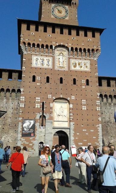 הכניסה למצודה