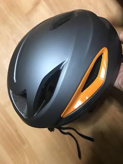 エアロな感じではないヘルメット