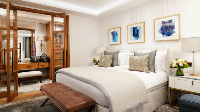 Experience Corinthia, one of the top luxury hotels in central london. This elegant establishment is a stone's throw from the city's finest attractions.