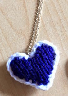 http://translate.googleusercontent.com/translate_c?depth=1&hl=es&rurl=translate.google.es&sl=en&tl=es&u=http://www.justbcrafty.com/2014/02/titanic-inspired-heart-of-ocean-knit.html&usg=ALkJrhjDBY2sj-TMjy1RuW_O7blIhd35KQ