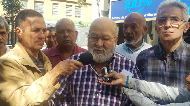 VENEZUELA: Mesa Social de Caracas: Padrino López debe explicar por qué las FFAA obstaculizaron la Constitución el 5E