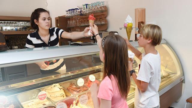 ¿Por qué debería evitar alimentos procesados como el helado y los cereales para el desayuno?