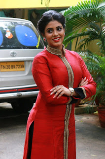 Iniya Stills in Red Dress at Karaiyoram Movie Audio Release ~ Celebs Next