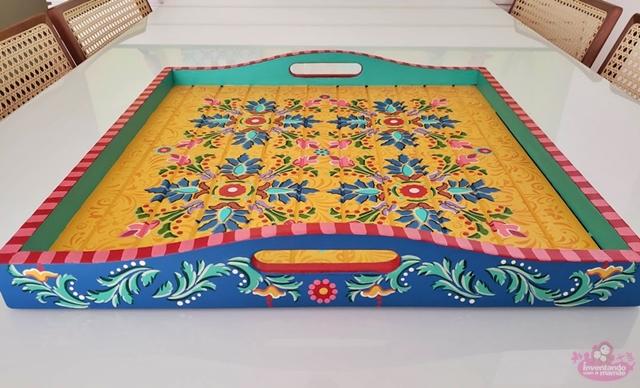 Bandeja de madeira para decoração