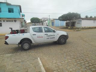 Carro-fumacê contra dengue pulveriza ruas de Sossego