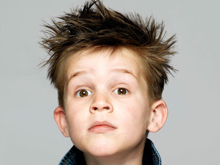 Niños con diferentes peinados