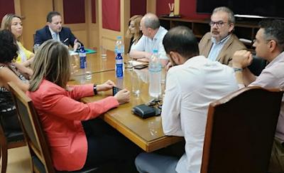 Νέες επαφές Πέτσα με εκδότες και δημοσιογράφους