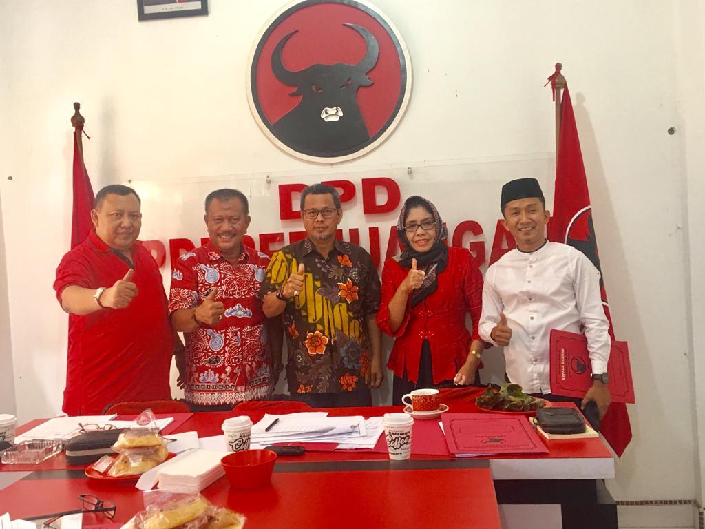 Masrul Kasmy hari ini mengikuti test dan wawancara di DPD PDI-P Riau