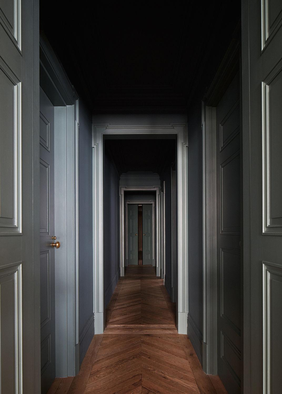 ilaria fatone - un couloir en vert