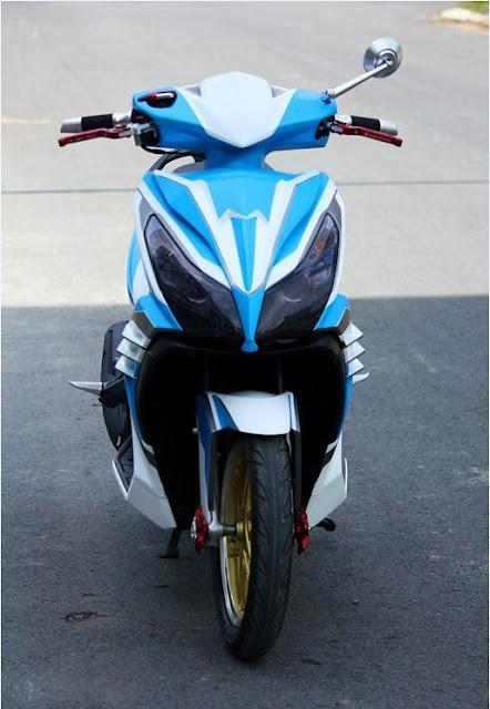 Honda Airblade 2012 sơn phối màu trắng xanh