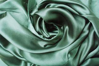 kain satin silk licin untuk hijab