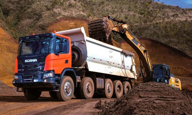 Scania vende 350 caminhões off-road em um único mês