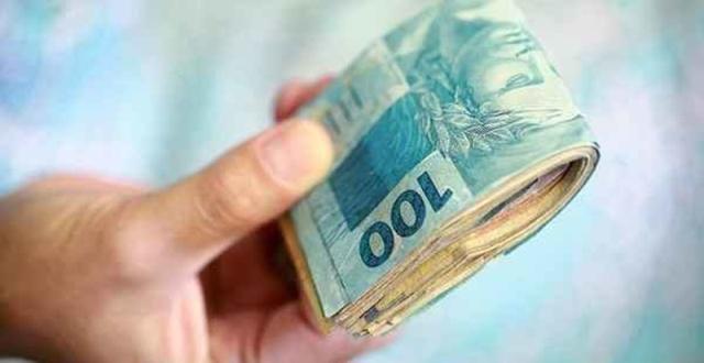 Salário mínimo pode ser de R$ 1.039 no ano que vem
