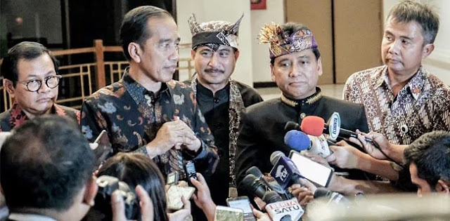 Kenaikan Tiket Pesawat: Menhub Minta Masyarakat Toleransi, Jokowi Kaget