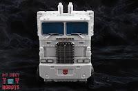 Transformers Kingdom Ultra Magnus 57
