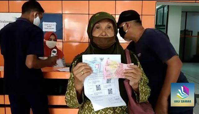 Jangan Sedih Ya Bun, Meskipun Tak Terdaftar Di DTKS Kemensos, Masih Bisa Dapat Bansos Rp 300 Ribu, Cek Disini Caranya