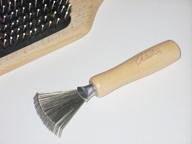 Przyrząd do czyszczenia szczotek do włosów, For Your Beauty