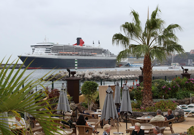a view to Queen Mary 2 from Porto Santa Maria hotel