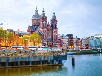Places you should visit in Amsterdam
