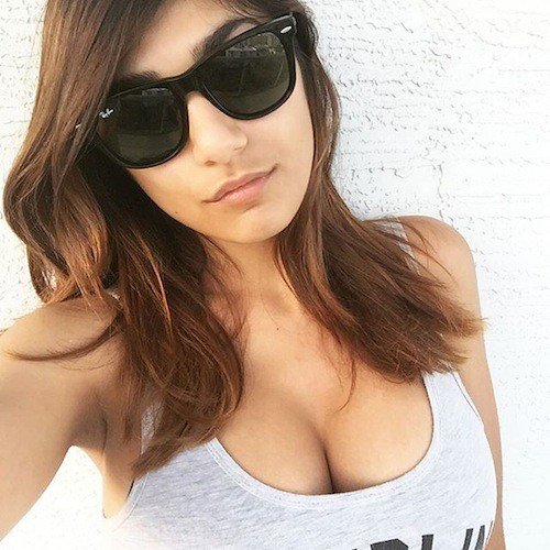 Why did Mia Khalifa leave the porn industry?