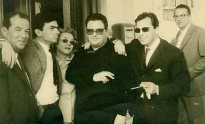 Ποτέ την Κυριακή» Φεστιβάλ Κανών, Μάιος 1960. Από αριστερά: Κώστας Σεϊτανίδης, Γιώργος Εμιρζάς, Δέσπω Διαμαντίδου, Μάνος Χατζιδάκις, Γεράσιμος Λαβράνος