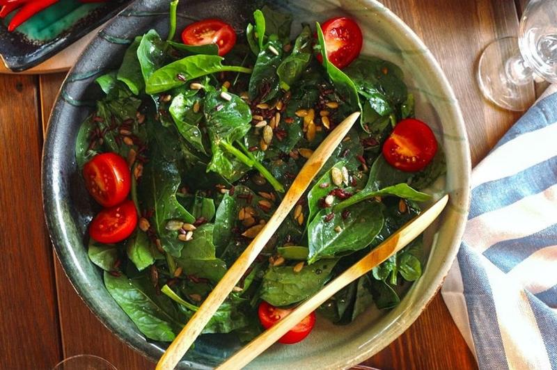 Hem az kalorili hem de doyurucu salatalar