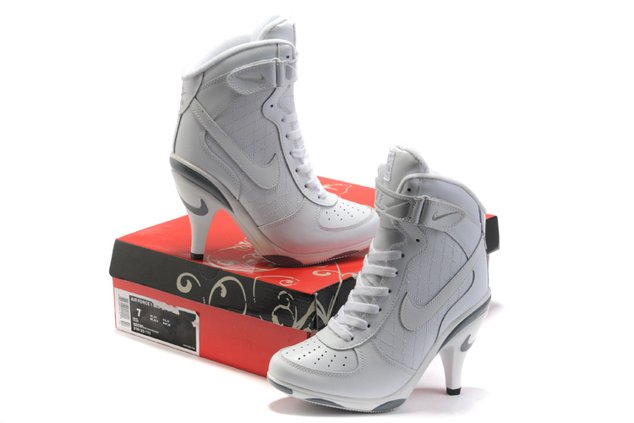 newest 05661 2a9b5 Its here and and it has evolved into a high heel!! Yes the Nike Airforce High  heel has hit the South Africa markets and shoes-lovers have now n brand of  ...