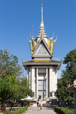 things to do in cambodia killing fields choeung ek genocidal center phnom penh