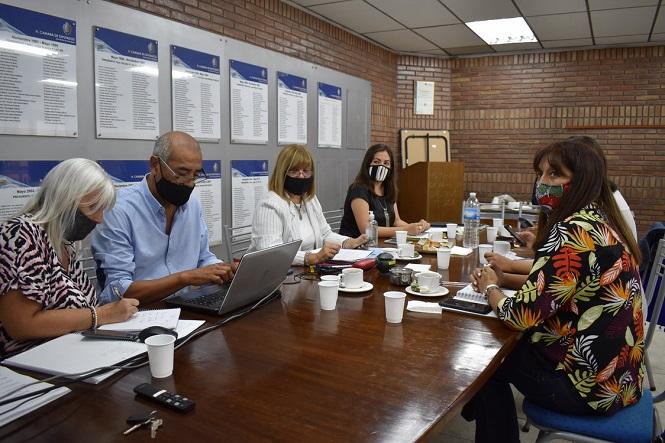 Analizan instituir cada 22 de febrero como Día de la Mujer Cuyana