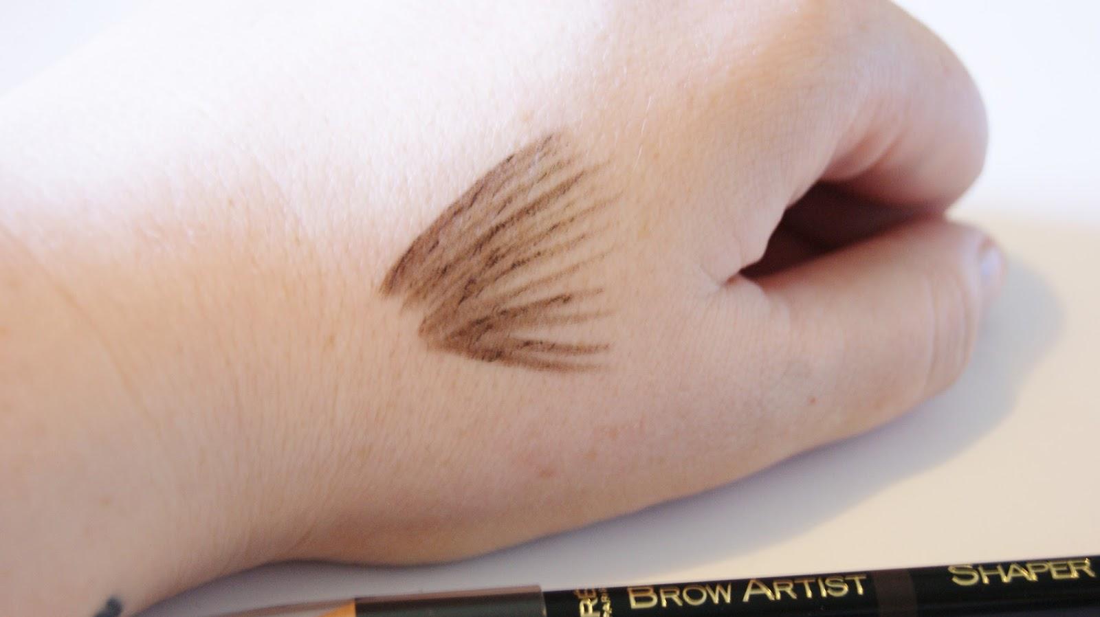 L'Oreal Brow Artist Pencil Dark Brunette Swatch