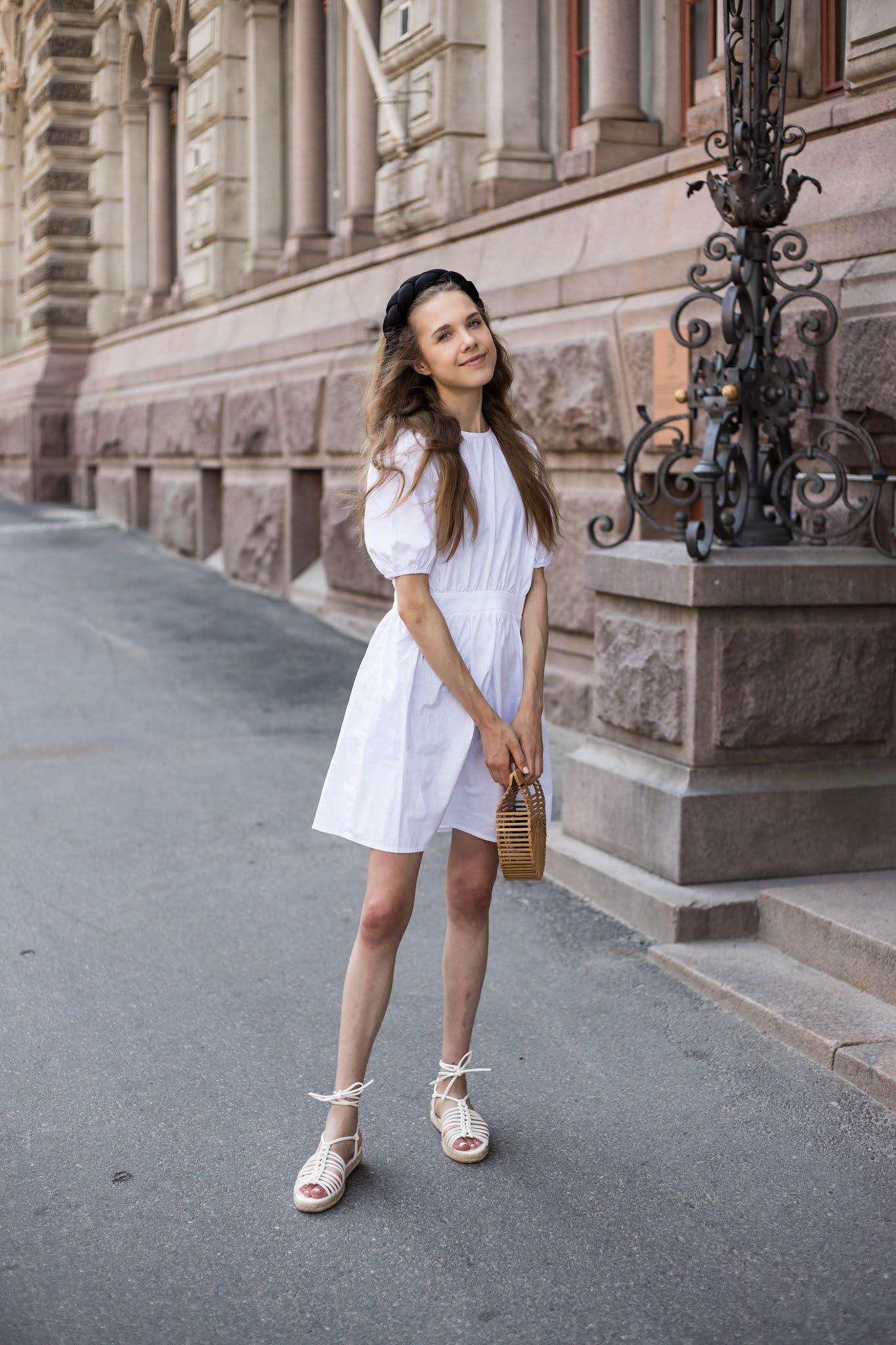 Kuinka yhdistää valkoinen kesämekko // How to style white summer dress