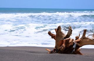 nama destinasi wisata pantai di sukabumi